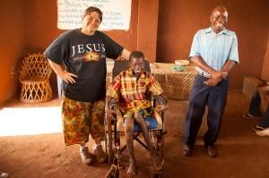 Brenda give Zito the wheelchair
